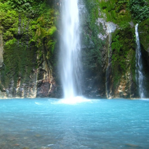 Dua Warna Waterfall